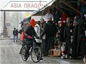 Nejv�t�í vietnamské tr�i�t� Asia Dragon Bazar ve Svatém K�í�i na Chebsku.