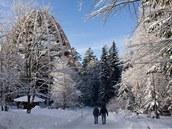 Teprve když přijdete blíž, ukáže se bavorská turistická atrakce v plné kráse.
