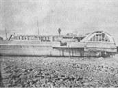 Loď Princess Alice na břehu po katastrofě