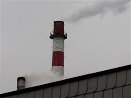 Komíny domkářů i průmyslové, všechny se podílejí na stavu životního prostředí....