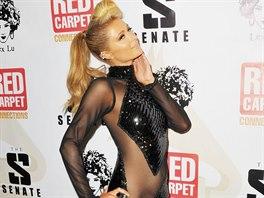 Paris Hiltonová má odhalující šaty od Haus Of Milani.
