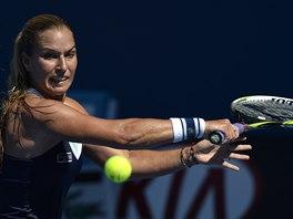 SOUSTŘEDĚNÁ. Dominika Cibulková míří za postupem  do finále Australian Open.