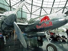 Rakousko, Salcburk, Hangar 7 - P-38 Lighting z bočního pohledu
