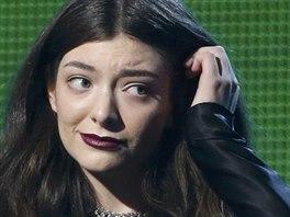Lorde s cenou za nejlepší píseň (Grammy 2013)