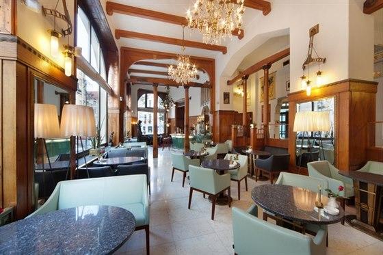 Za l�kav�m menu zav�tejte do Sarah Bernhardt Restaurant & Caf� de Paris