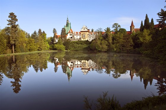 Zámek a park Průhonice