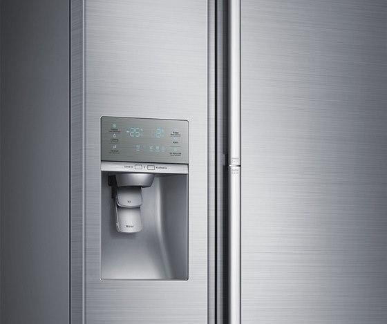 Nový povrch na chladničce Food ShowCase působí světlejším dojmem než klasický