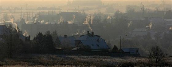 Dřívější názor, že vyčištění vzduchu na venkově vyřeší zavedení plynu, sdílí...