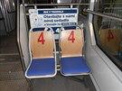 Jedna z testovaných sedaček v ostravské tramvaji. Polstrovaný je jen sedák,...