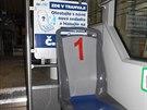 Jedna z testovaných sedaček v ostravské tramvaji. V této variantě nabízí DPO...