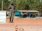 Výcvik na vyhledávaní výbušných zařízení u města Koulikoro v africkém Mali