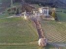 Nad italskou obcí Tramin se utrhl kus skály a skutálel se do údolí.