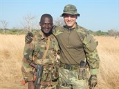 Výcvikový instruktor Martin Borovička s jedním ze svých svěřenců z malijské...