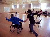 V tomto experimentu tanečník na vozíku může zažít, jaké to je tancovat na...