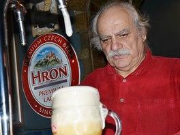 Pít tu můžete samozřejmě české pivo.