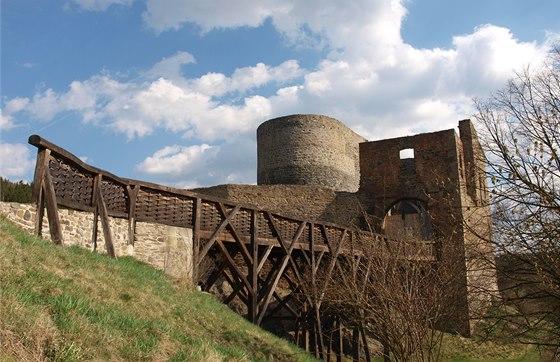 V roce 2005 byla dokončena kopie dřevěného mostu, je to ruční výroba bez jediného hřebíku.