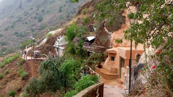 Jeskyně v údolí Guayadeque