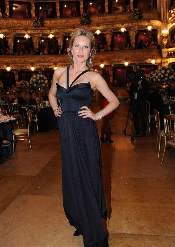 Ples v Opeře 2014 - Simona Krainová