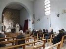 Jezuitský kněz Frans van der Lugt slouží mši pro křesťany z Homsu (1. února...
