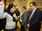 Ministr pr�myslu Jan Ml�dek debatuje s ob�any Dobrov�ze o pl�novan� stavb�