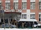 Ozbrojený muž pronikl do jedné z moskevských škol, kde držel jako rukojmí 20...