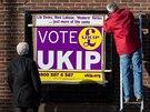 P�edvolebn� plak�t UKIP v Manchesteru. Populistick� protiimigrantsk� strana...