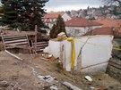 Zbouran� pam�tkov� chr�n�n� vila na pra�sk� O�echovce.