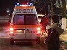 Na letiště Boryspil přijíždí sanitka, která údajně vezla Dmytra Bulatova z...