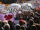 V Madridu protestovaly tis�ce lid� proti n�vrhu z�kona, kter� by zp��snil...