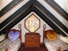 V podkroví je ložnice s dvěma postýlkami.