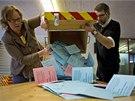 Výsledek referenda je velmi těsný (9. 2. 2014).