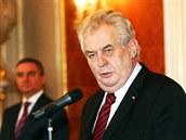 Milo� Zeman p�i jmenování nového kabinetu na Pra�ském hrad�. (29. ledna 2014)