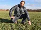 Petr Klečka, farmář z Bartošovic na Novojičínsku, se byl podívat i na pole s...