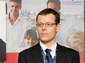 Ministr průmyslu a obchodu Jan Mládek (vlevo)odvolal generálního ředitele...