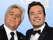 Odcházející moderátor Jay Leno (vlevo) a Jimmy Fallon, který jej od 17. února v...