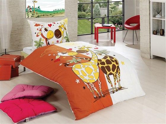 Nestárnoucí motiv zamilovaného párečku žiraf v přírodních barvách. Ve...