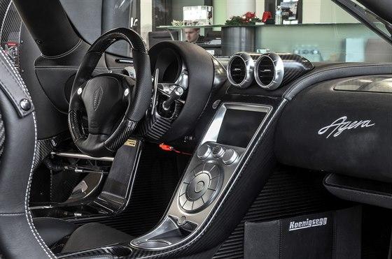 Koenigsegg Agera v autosalonu v Ostravě