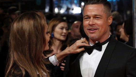 Svého motýlka nachala Angelina Jolie rozvázaného, Bradu Pittovi ho ale neustále...