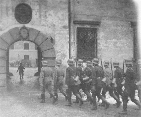 Němci se do Třeboně dostali nakonec zcela bez boje v březnu 1939 při obsazování Protektorátu...