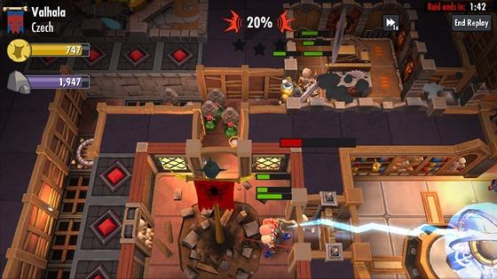 Molyneux kritizoval obchodní model mobilní hry Dungeon Keeper. Sám však použil ještě horší.