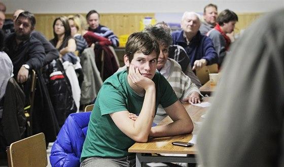 Debata k plánované výstavbě větrné elektrárny u Střížovic.