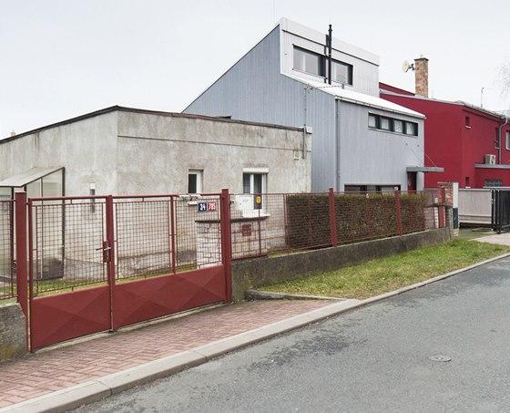 Nový dům navazuje na přirozený vývoj ulice.