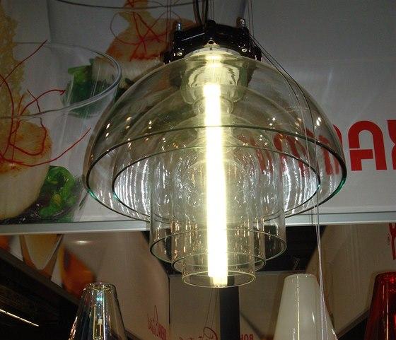 Lustr Transmission vznikli jako rozšíření kolekce Transmission for Kavalier z