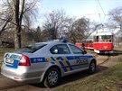 Policist� vy�et�uj� smrt �eny, kterou lid� na�li v tramvaji linky ��slo 17 v...
