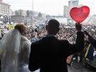 Svátek zamilovaných se dvojice opozičních demonstrantů rozhodla oslavit ve...