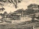 V roce 1923 vznikla na Bílém kříži Útulna u Daňků, později ji doplnil Hotel...