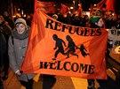 Lidé demonstrují proti výsledku referenda o omezeném přástupu imigrantů do...
