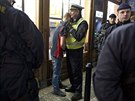 Dánští studenti působili už v neděli večer v ulicích hlavního města rozruch....