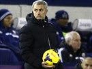José Mourinho, trenér Chelsea, během utkání na hřišti West Bromwiche.