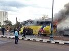 Turistický autobus, který explodoval v egyptské Tabě na Sinajském poloostrově.